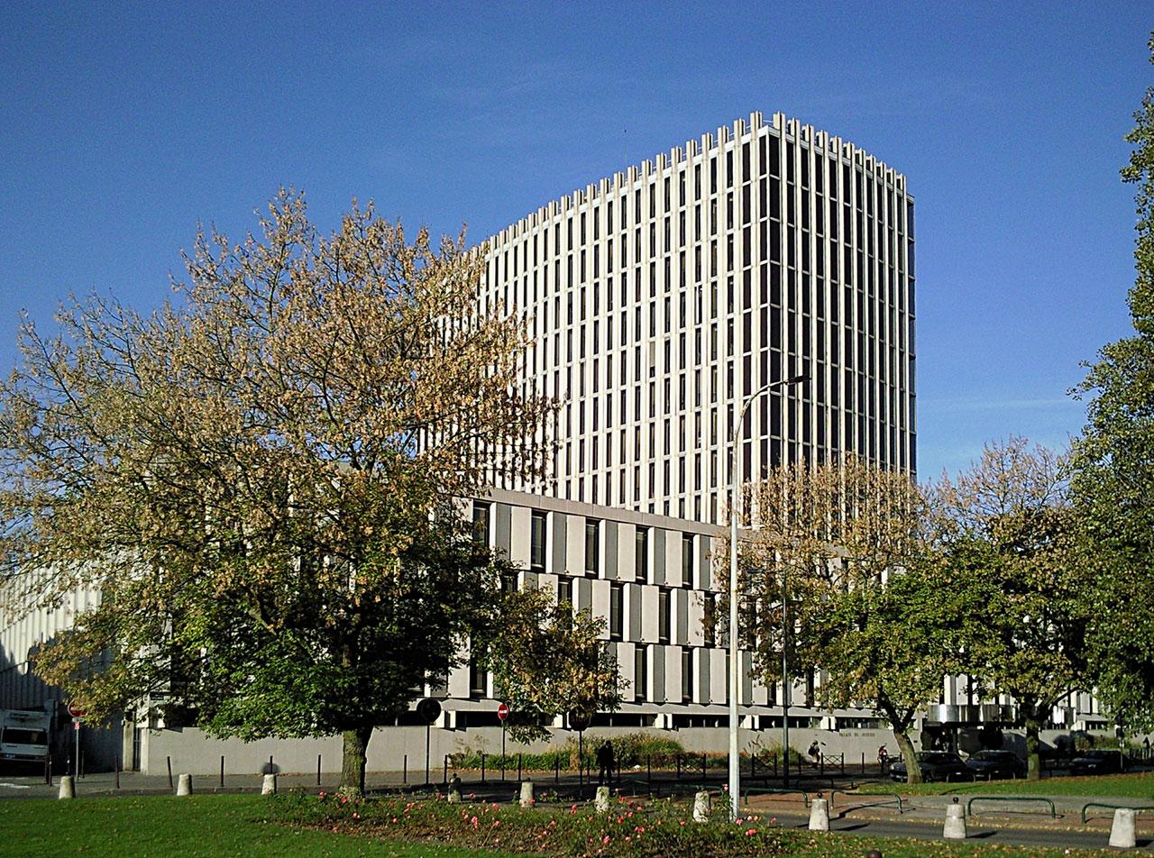 Je vous accueille dans notre cabinet situé à 2 pas du palais de Justice de Lille
